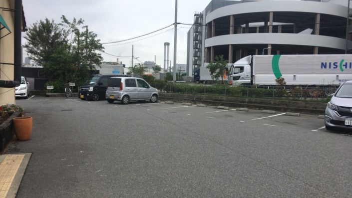 はなれの駐車場