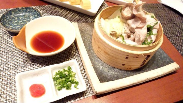 季節野菜と豚肉のせいろ蒸し2