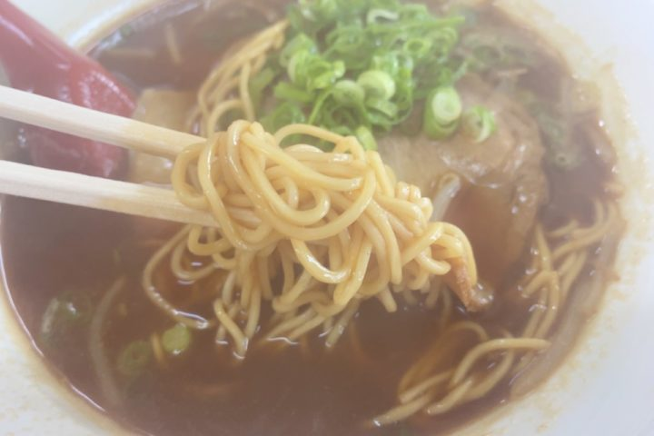 こく醤油ラーメンの麺