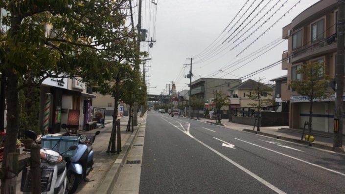 店の南側道路