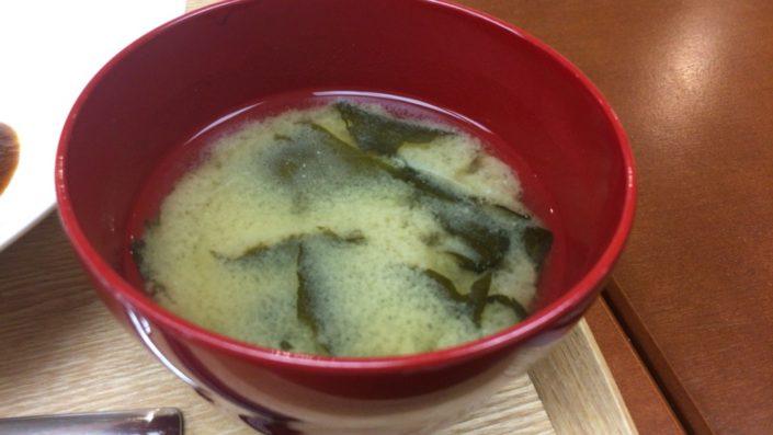 オムライスの味噌汁