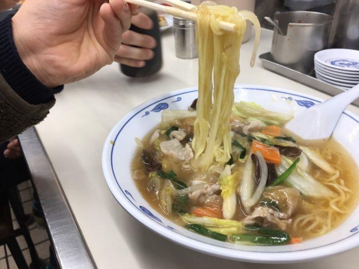 野菜あんかけラーメンの麺