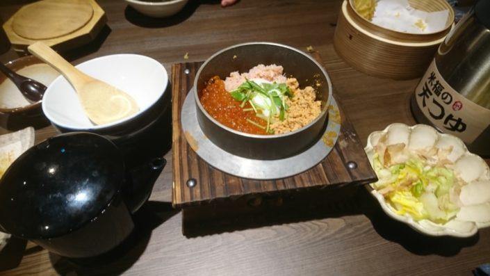 イクラと鮭の釜飯