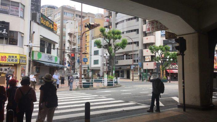 元町駅北側