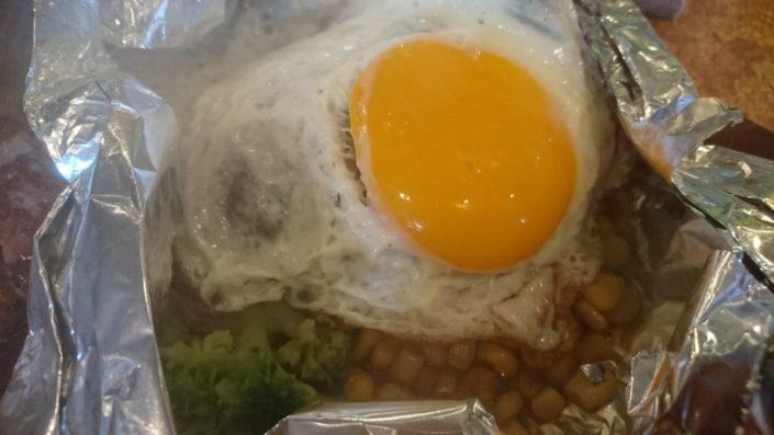 バッファローハンターのトッピングの半熟目玉焼き