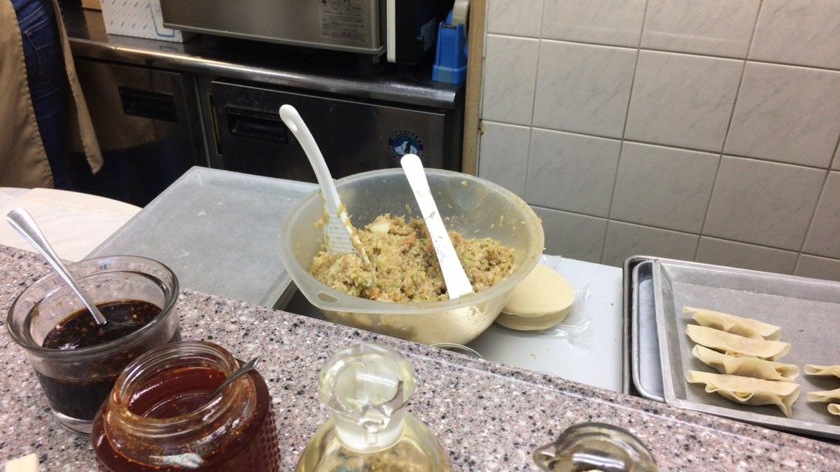 餃子のタネを作っている途中