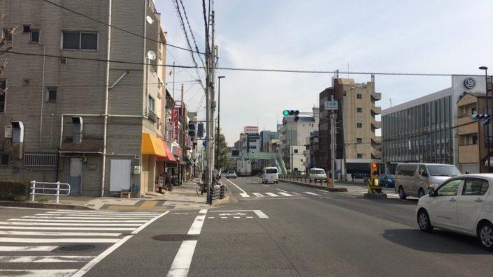 本店の横の交差点